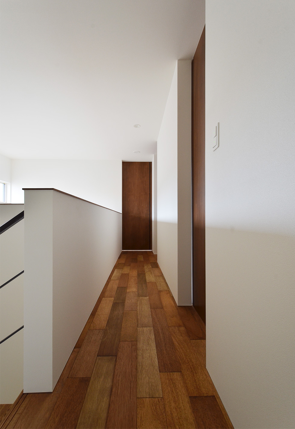 ラワン合板の床